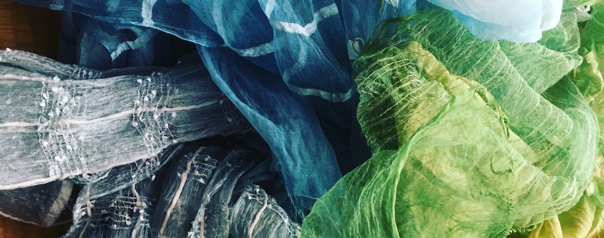 Hozu ままやの藍の生葉染と草木染のシルクショール